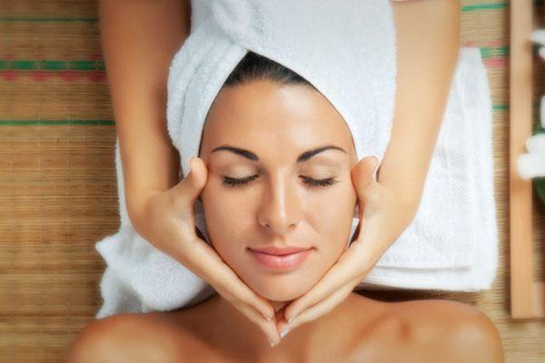 Mini-Facial with Upper Body Massage
